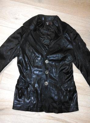 Черный пиджак под кожу